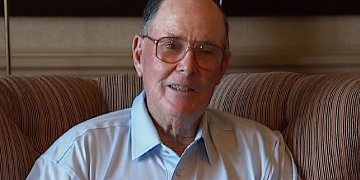 Dye, legendary golf course designer, dies at 94