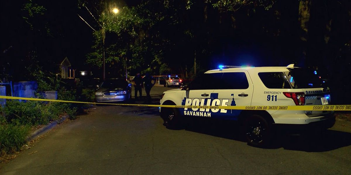 Suspect at large after cutting incident on Texas Avenue in Savannah