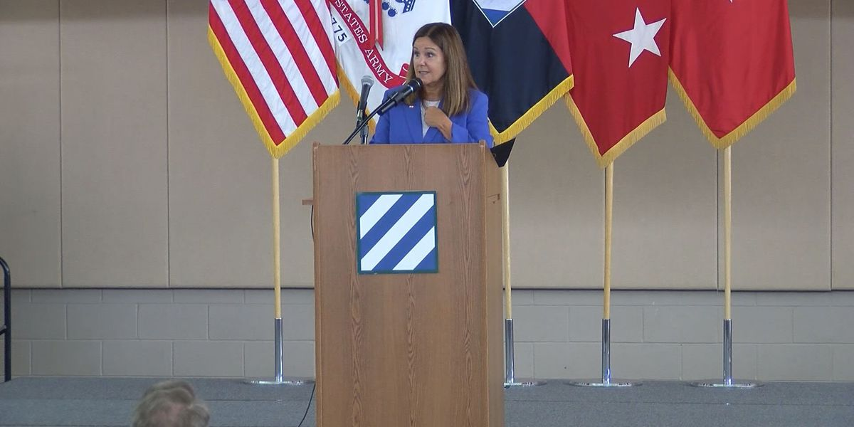Second Lady Karen Pence visits Hunter Army Airfield to discuss mental health issues