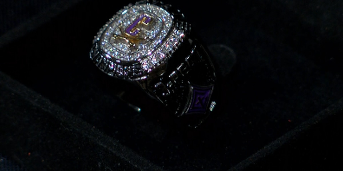 Cavs receive third state title rings