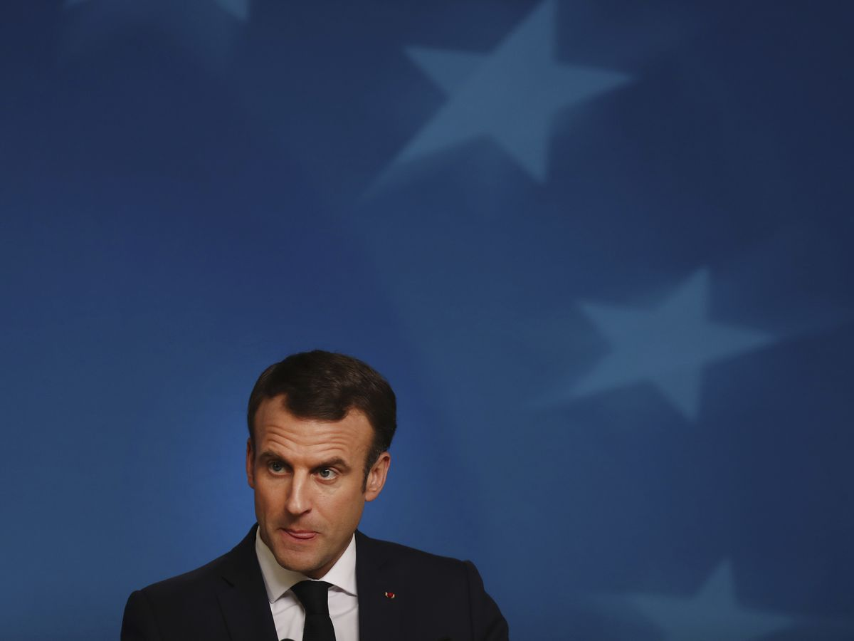 EU leaders agree small steps to buttress euro