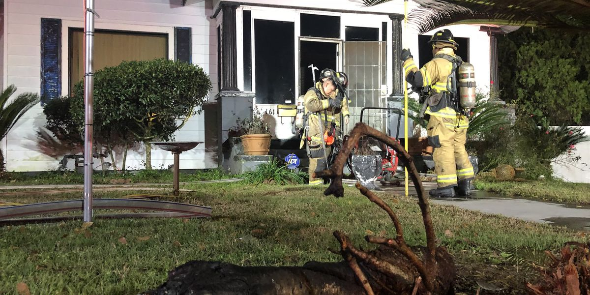 Christmas tree starts fire at East Henry Street home