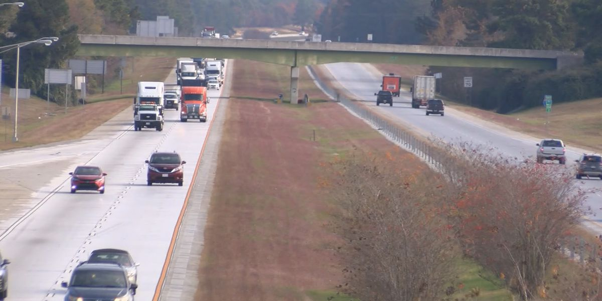 Thanksgiving holiday traffic busy on I-16