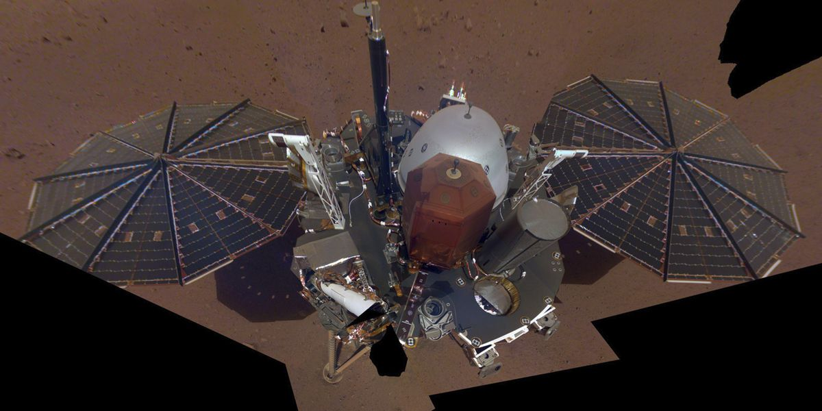 NASA's Mars lander takes selfie from above with robotic arm