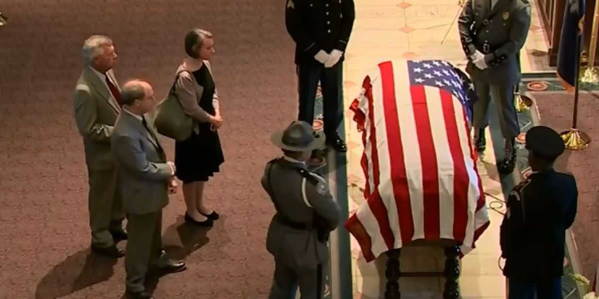 Former Sen. Fritz Hollings' casket lays in state at SC statehouse