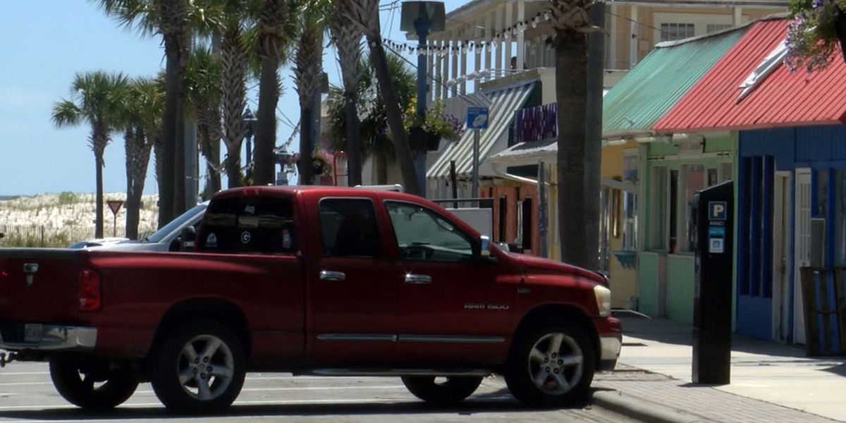Tybee businesses reopen as beachgoers return to the island