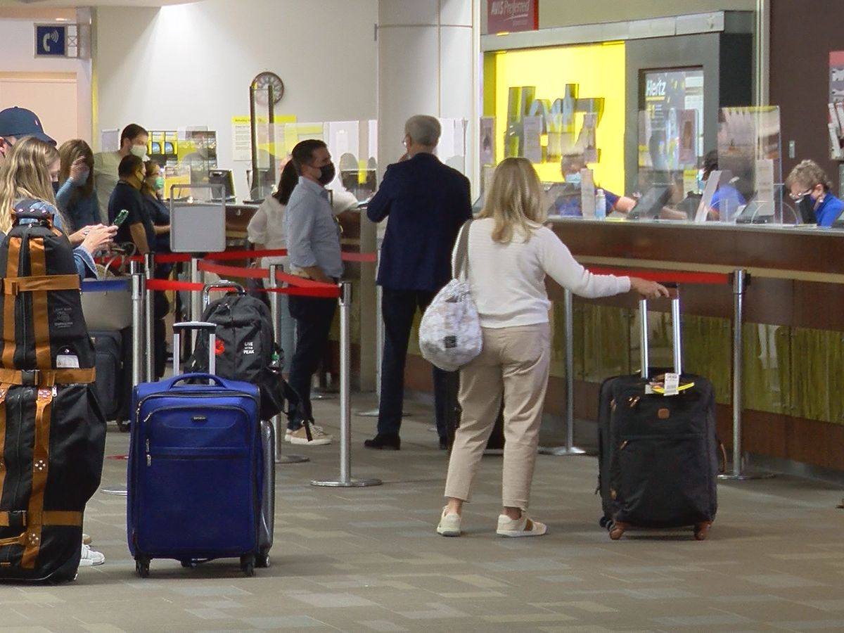 Patience tested as travelers delayed by rental car shortage