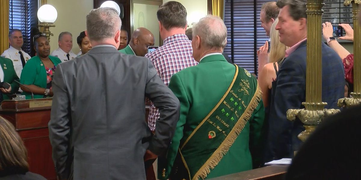 Grand Marshal given key to the City of Savannah