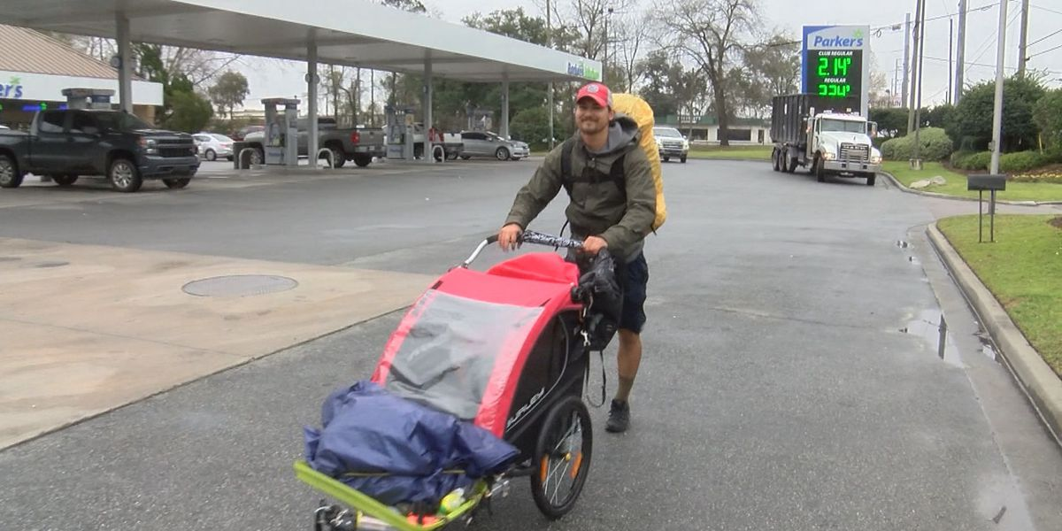 Man stops in the Hostess City as part of his walk across America