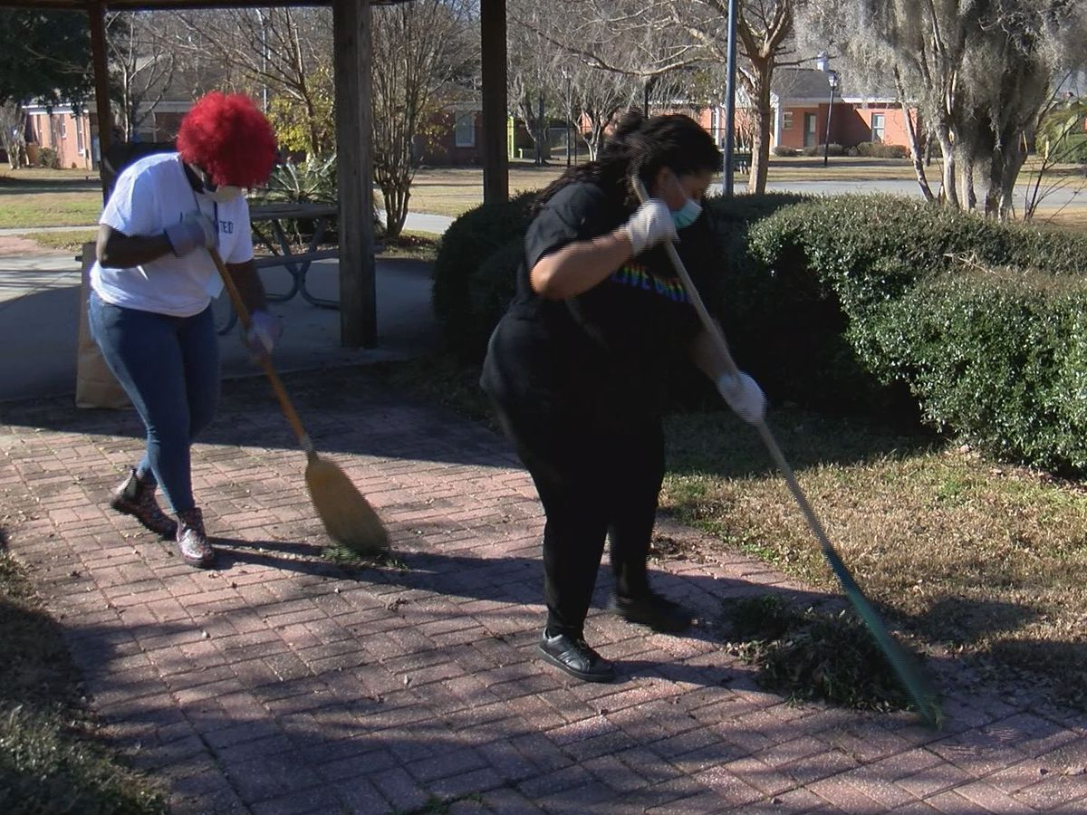 United Way holds day of service at the Greenbriar Children's Center