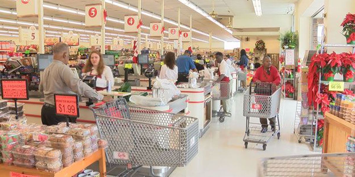 Grocery stores busy with last minute holiday food shopping