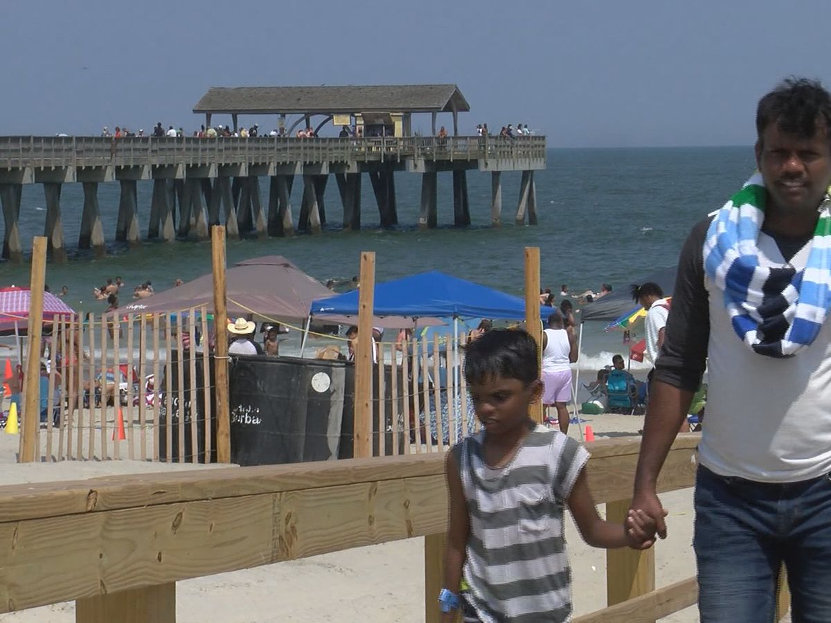 Coastal Empire, Lowcountry residents take to the beaches to cool off