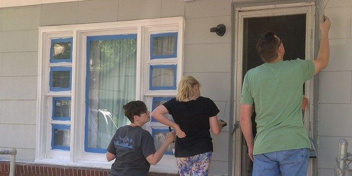 Georgia Ports Authority volunteers rehabilitate Garden City home