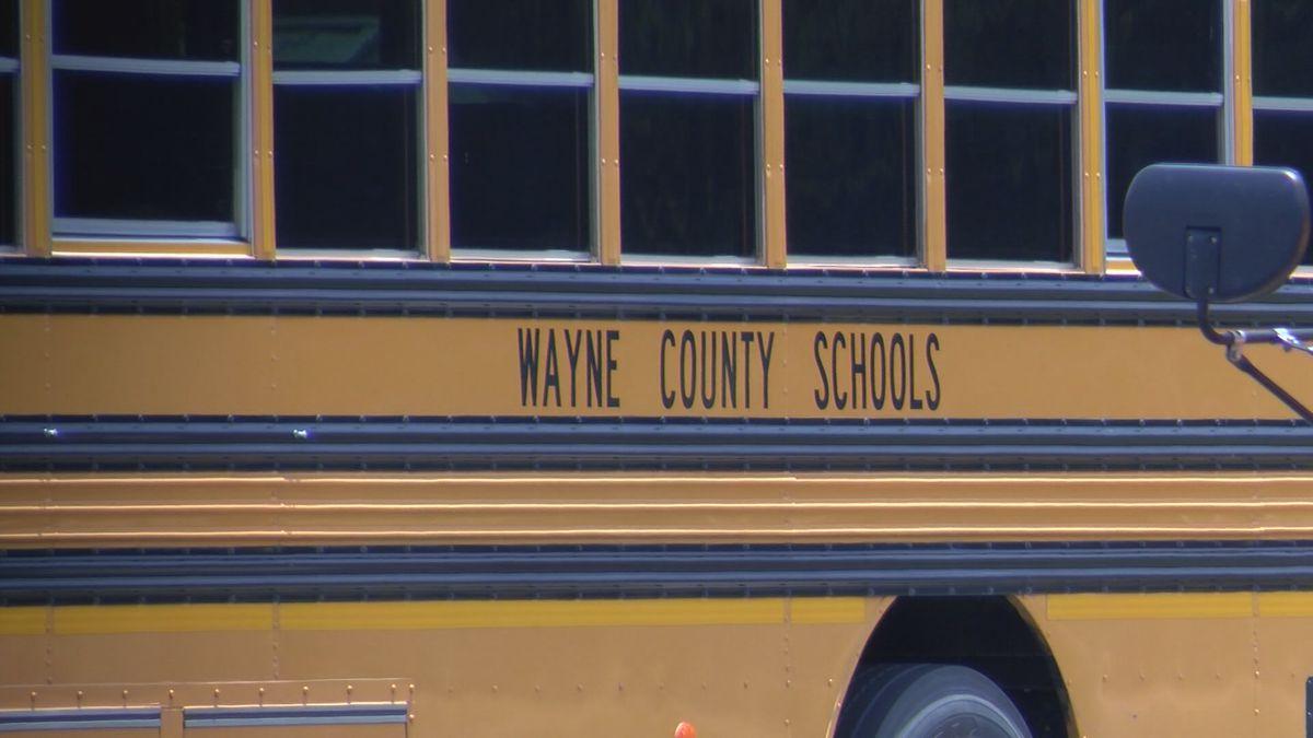 Wayne County School District seeks bus drivers