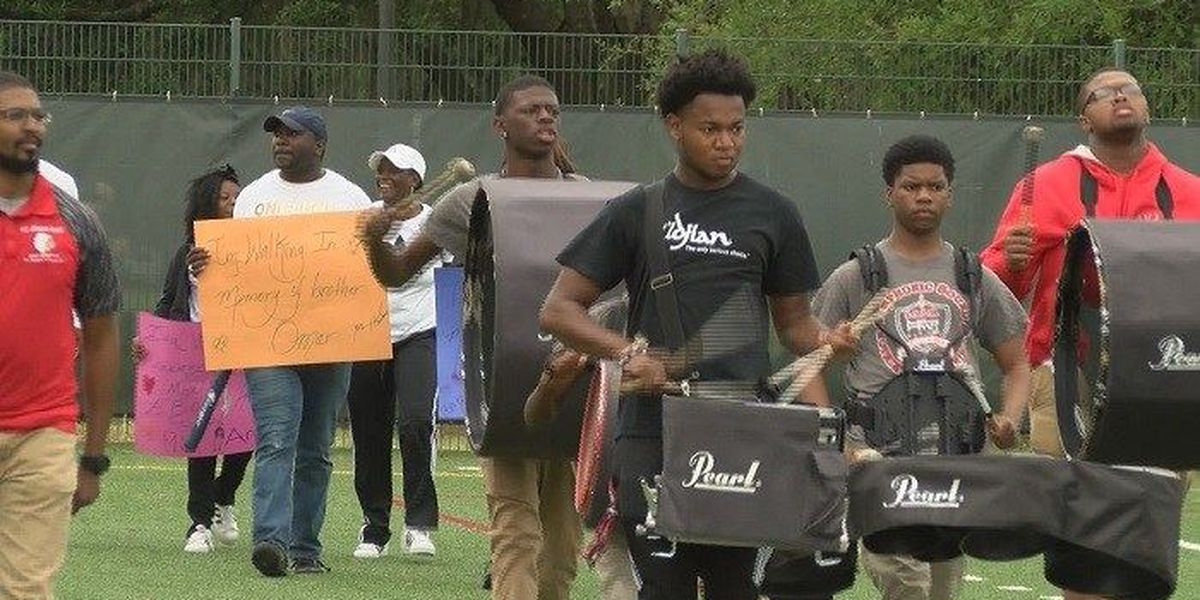 Savannah charity event honors lives lost, celebrates students