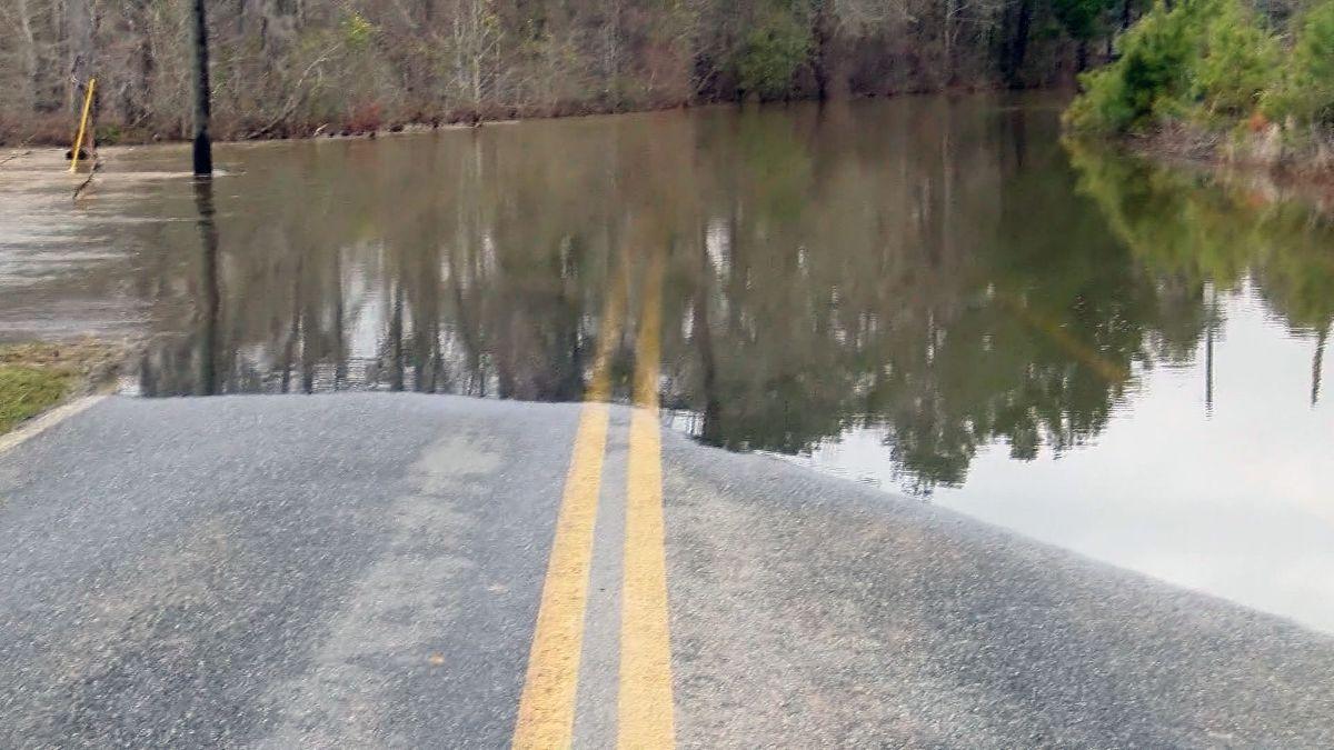 Heavy rain, flooding affecting roads around the area