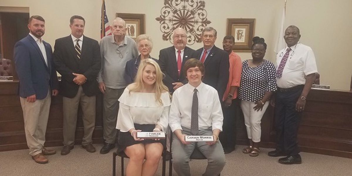 Appling County High School students experience 'Mayor for a Day' in Baxley