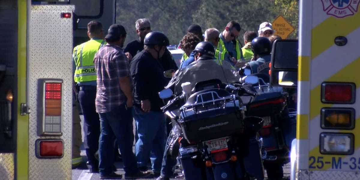 3 motorcyclists hurt in wreck on I-95 South