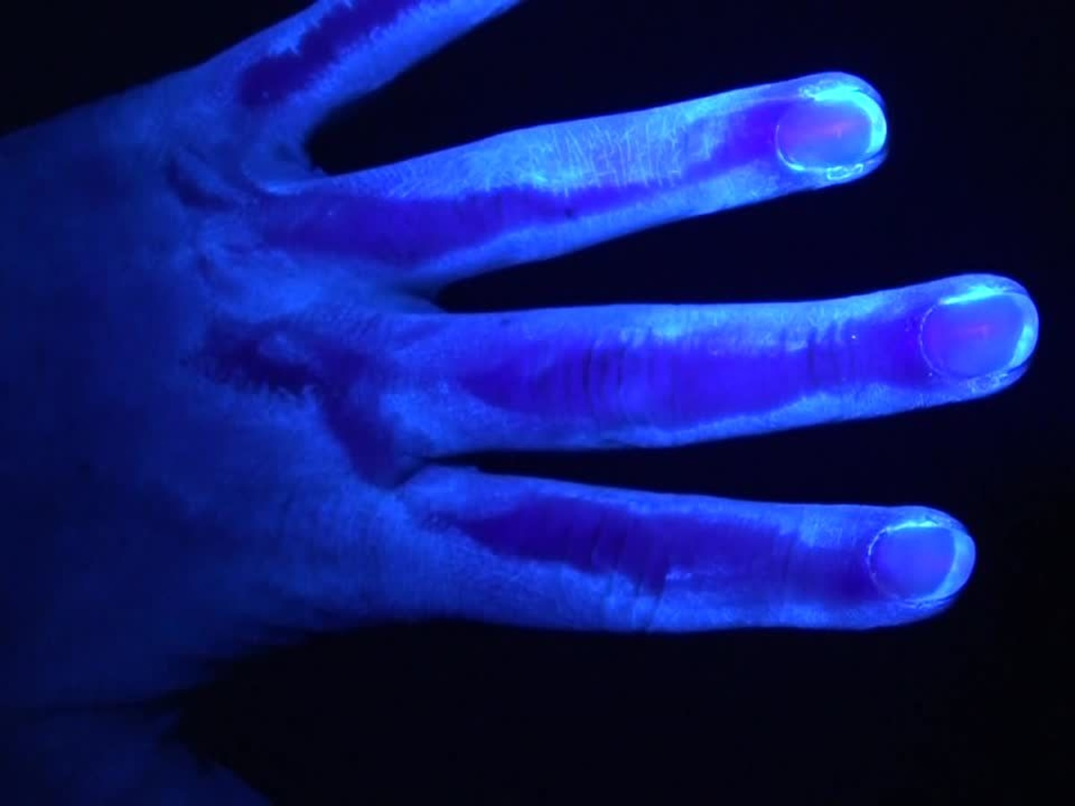 Black light experiment reinforces COVID-19 medical message: Don't touch your face