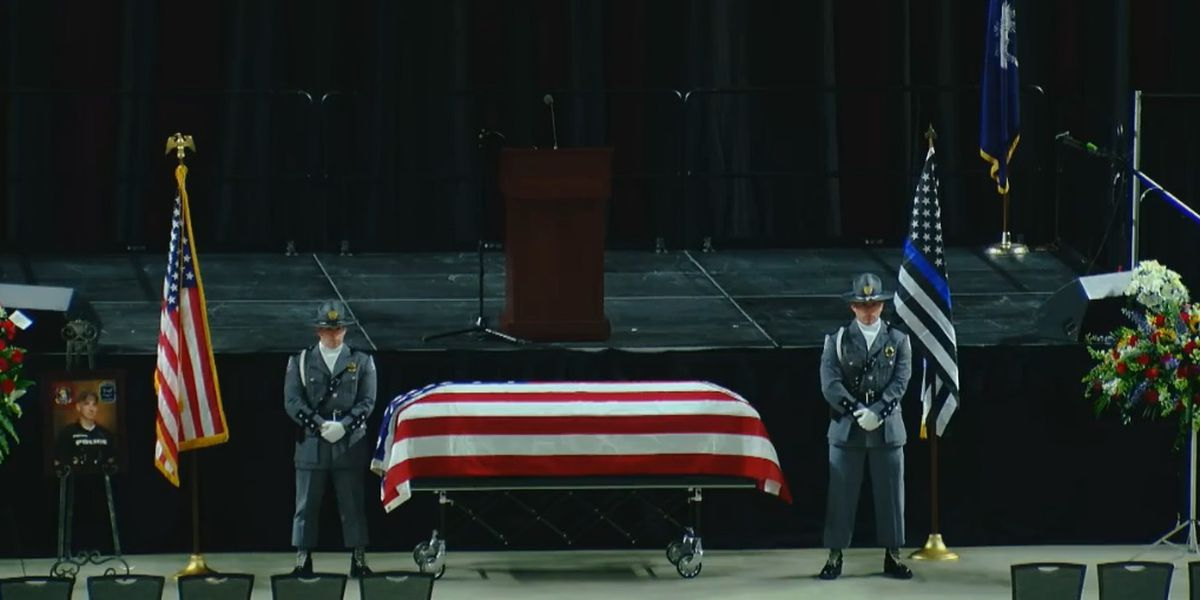 'It's a loss to the community': Fallen Florence airport officer laid to rest