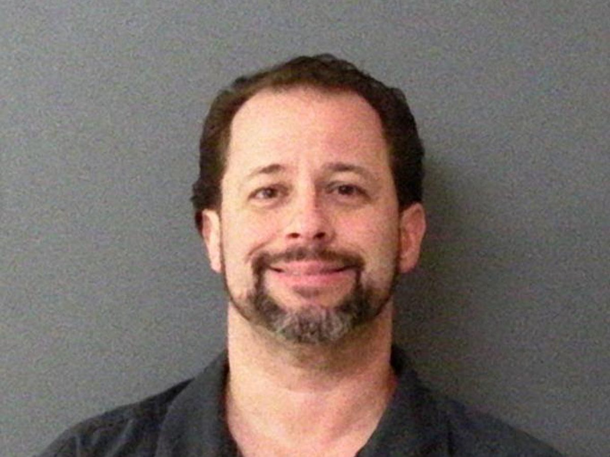 Local doctor sentenced to prison for prescribing narcotics to non-patients