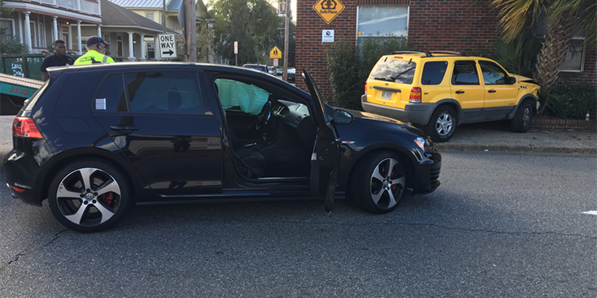 Car hits building after wreck on East 33rd, Drayton streets