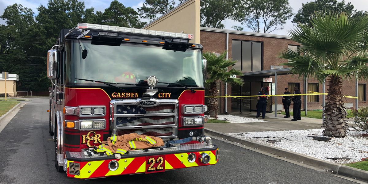 Fire displaces guests at hotel in Garden City