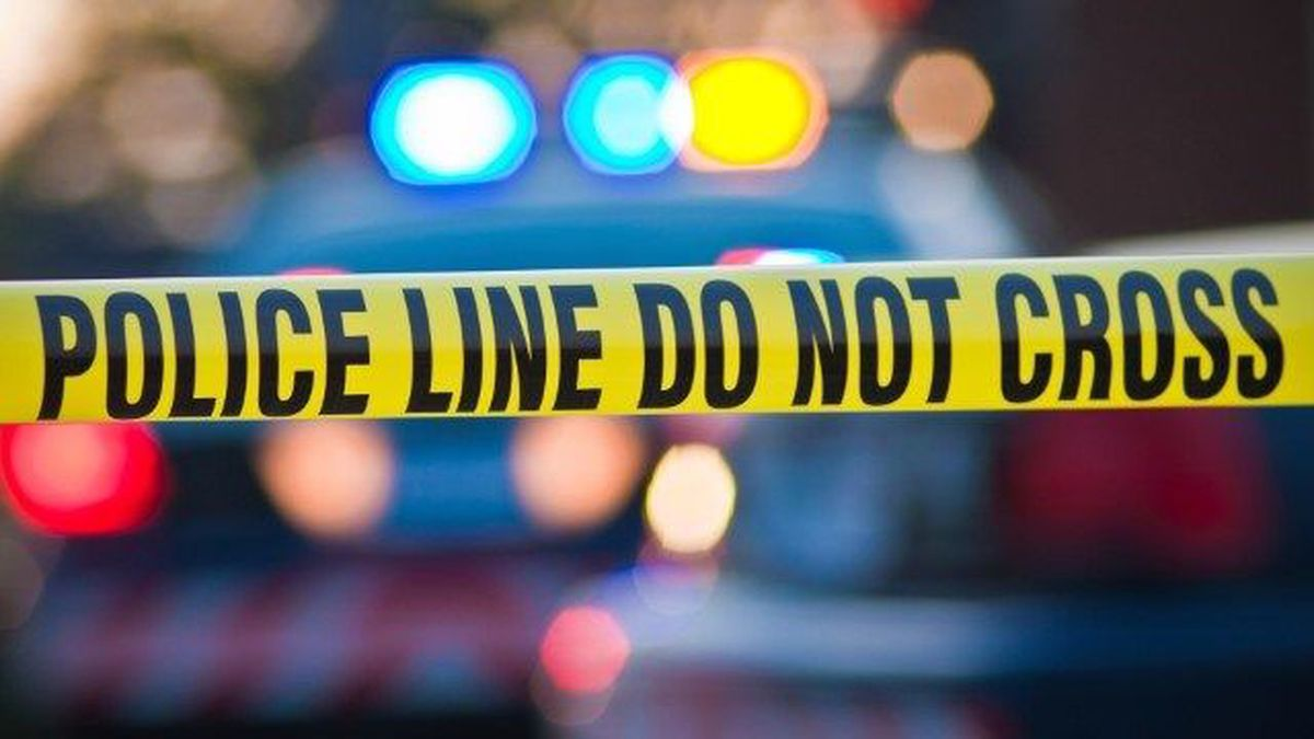 Police investigate fatal shooting at mobile home park in ... on manufactured housing module home, yellow mobile stars, mystic yellow paint color home, burgundy with yellow trim home,