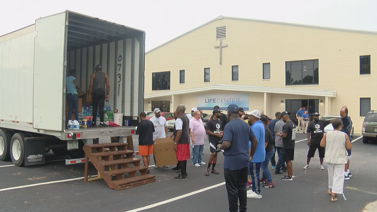 Savannah church sends more donations to the Bahamas