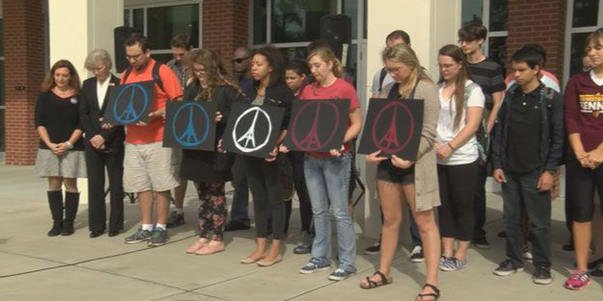 Armstrong French Club holds moment of silence for Paris attack victims