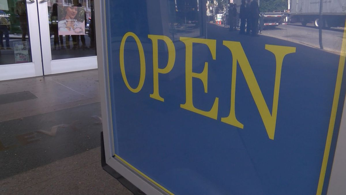 Savannah downtown business hopeful for holiday shopping