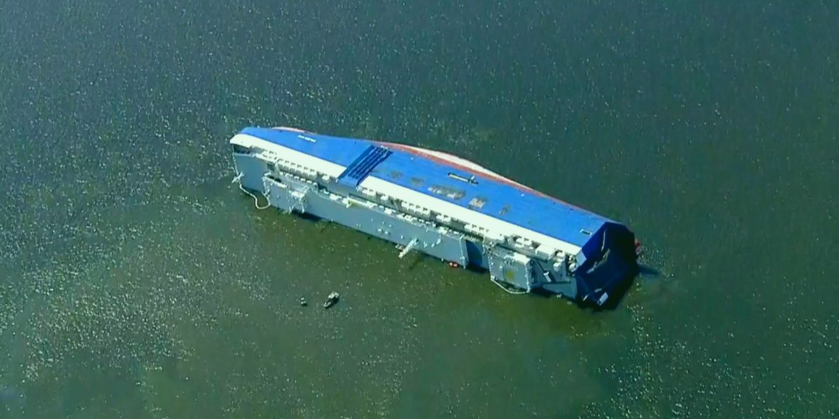 "Coast Guard: ""Discharge"" leaking from overturned ship in St. Simons Sound"