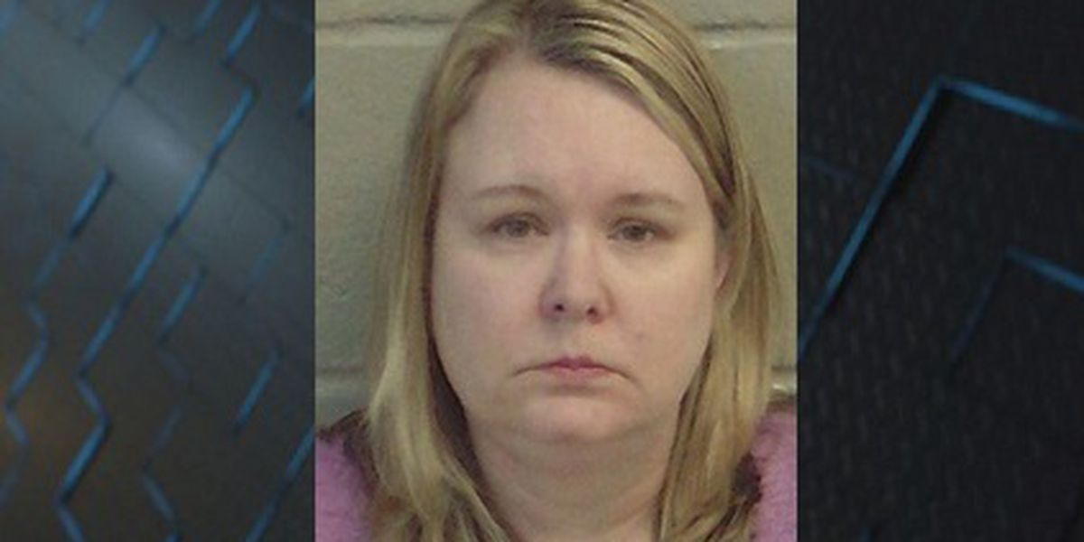 Woman facing over 30 charges after Wayne County Senior trip money goes awry