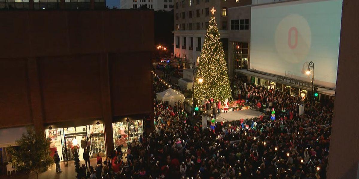 City of Savannah celebrates holidays with tree lighting and boat parade