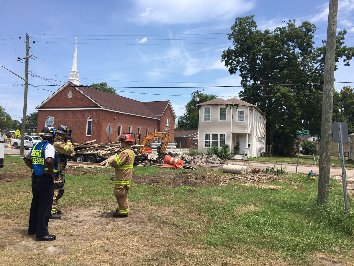 Residents shelter in place as crews work to control gas leak on Waters Avenue