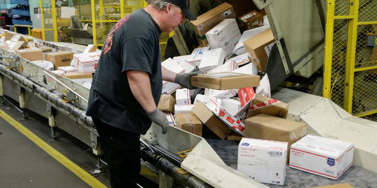Here's your 2018 USPS, FedEx and UPS holiday shipping