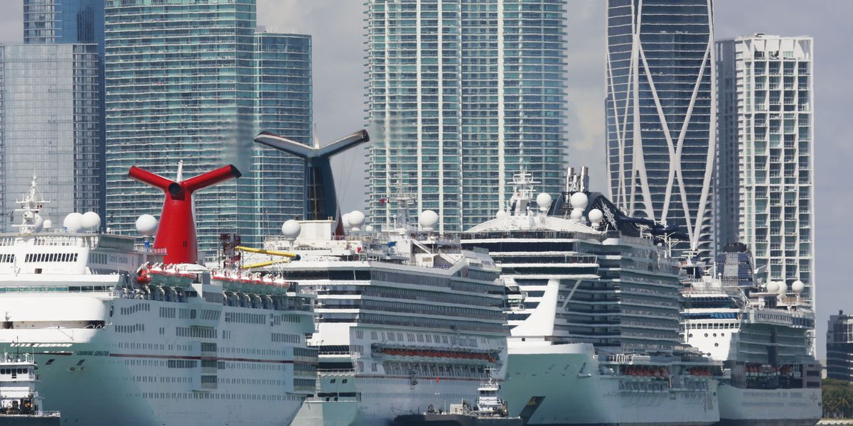 US cruises vow 100% testing in plan for resuming sailing