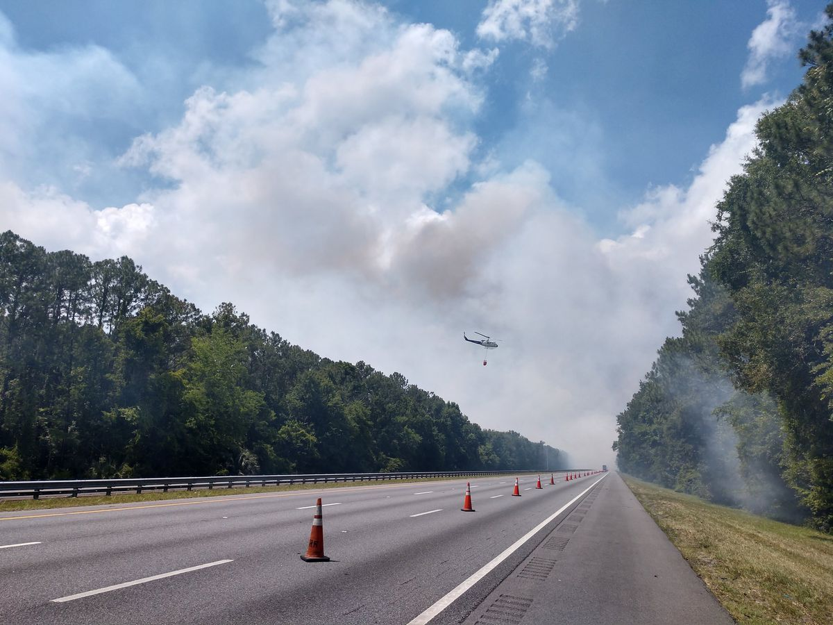 Wildfire delaying traffic on I-95 in Jacksonville, Fla.