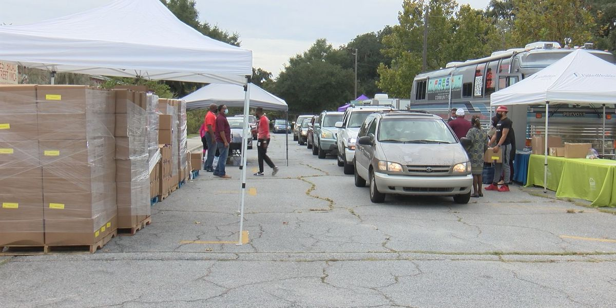 Fresh Communities, First African Missionary Baptist Church partner for food drive