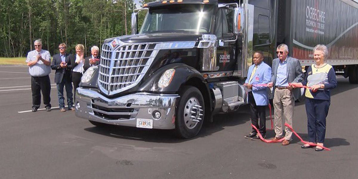 Ogeechee Tech brings truck driving program to Screven County