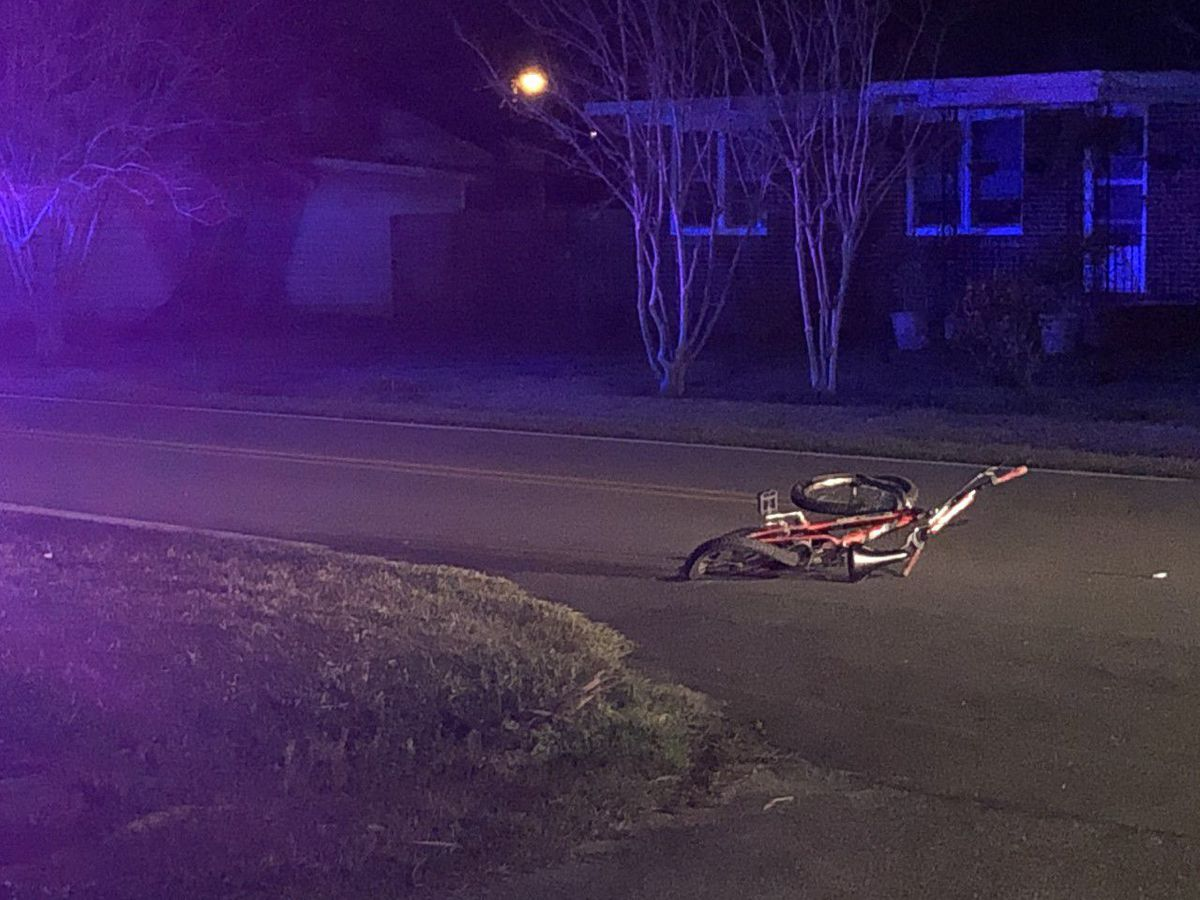 Child on bike hit by Port Wentworth police officer