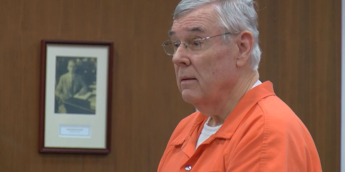 Former attorney sentenced on forgery, theft charges