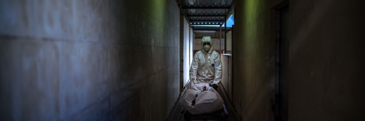 Global death toll from COVID-19 tops 2 million amid vaccine rollout