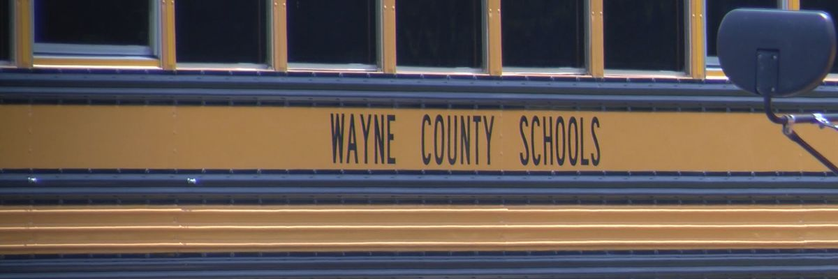 Wayne County School District seeks bus drivers