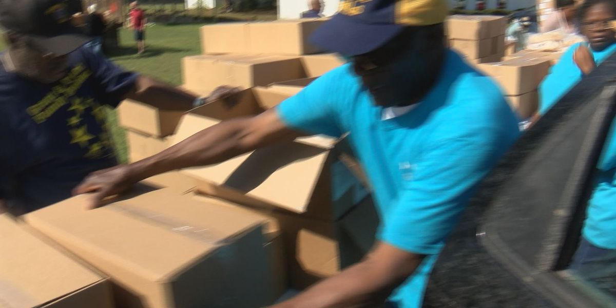 Good News: Mobile food pantry helps families