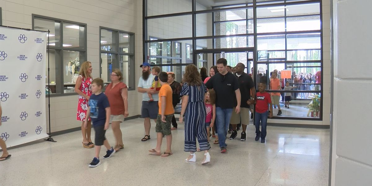 Students start the new school year in Effingham County