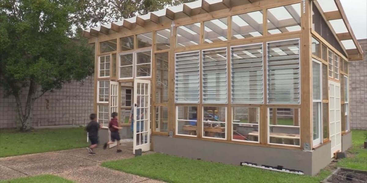SCAD students help design greenhouse for Lowcountry school