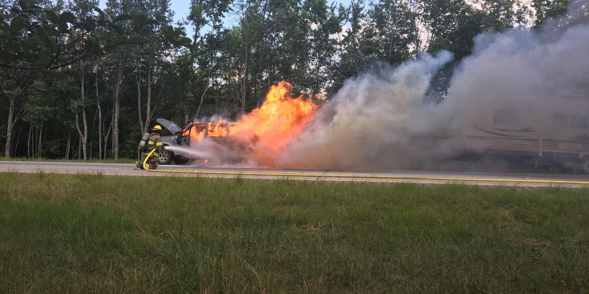 I-16 E closed at MM 152 after car fire