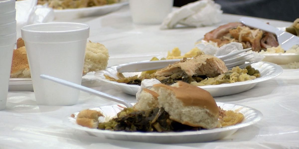 Savannah Feed the Hungry holds annual Thanksgiving Holiday Dinner