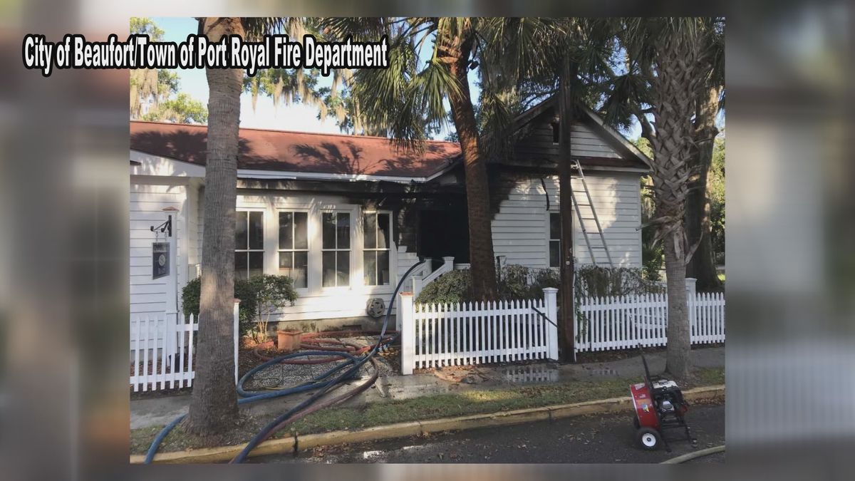 Fire crews extinguishes commercial building fire in Beaufort